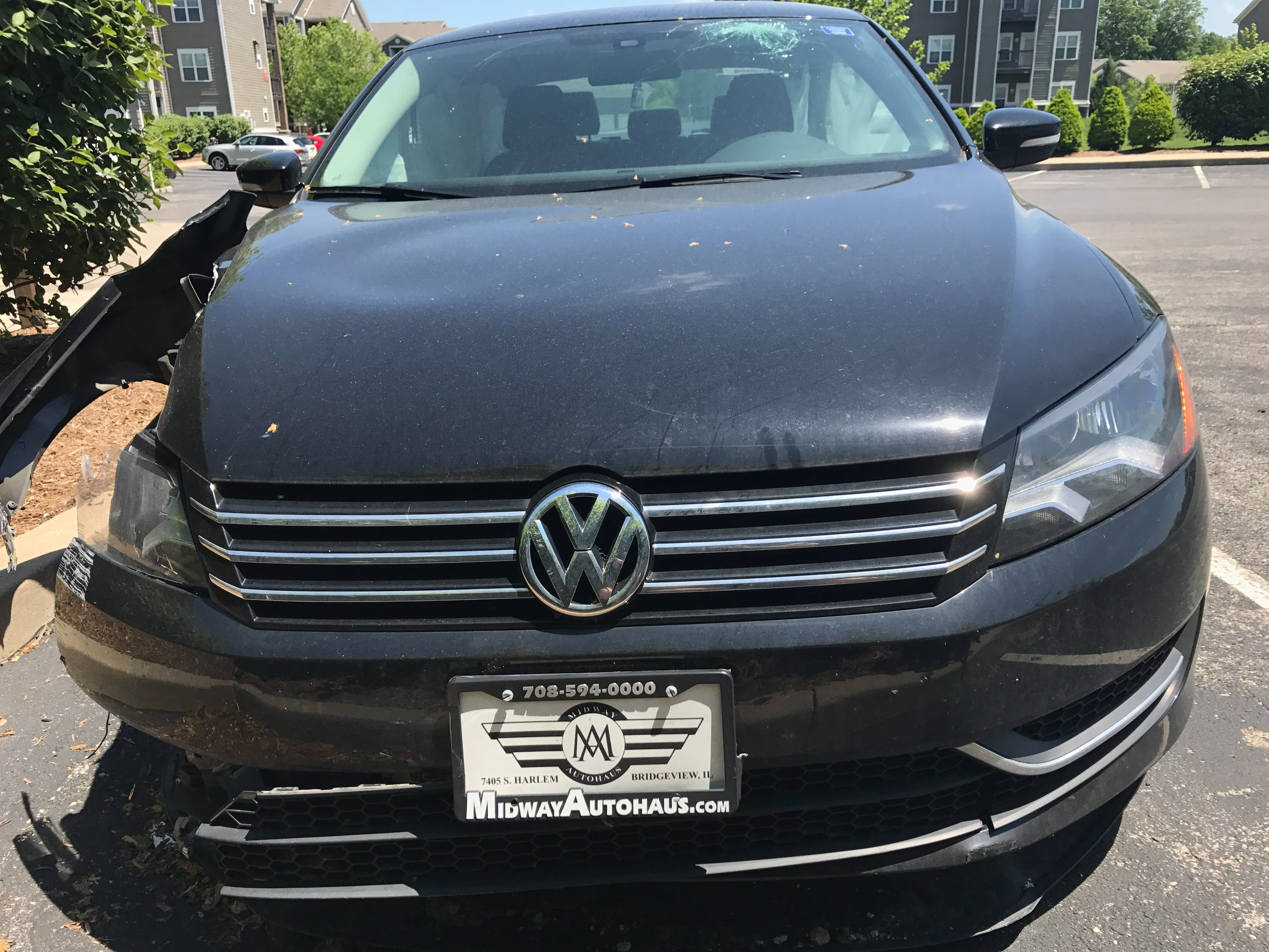 Junk 2015 Volkswagen Passat in Bloomington