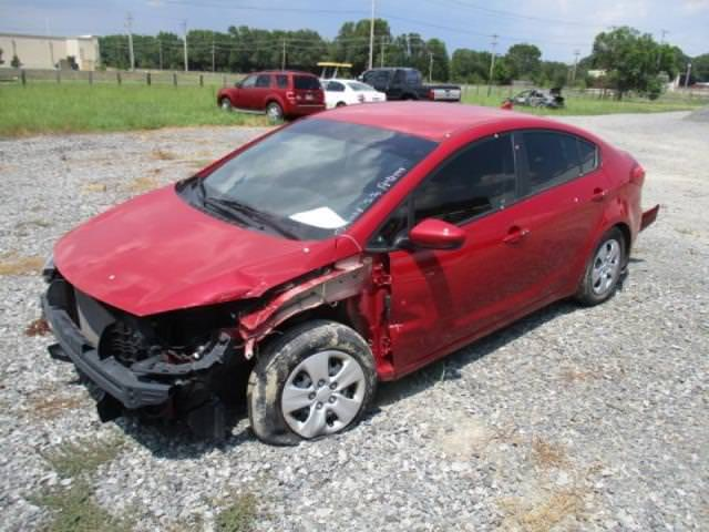 Junk 2016 Kia Forte in Conway